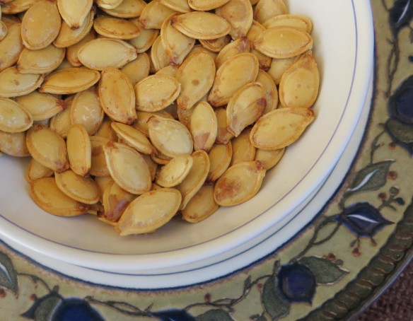 roasted pumpkin seeds - 2 - IMG_0648_1