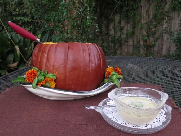 soup in a pumpkin  3 - IMG_0623_1