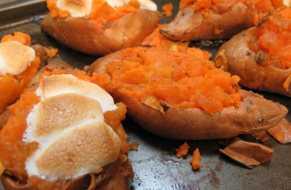 twice baked sweet potatoes with marshmallows - 1 -IMG_0822_1