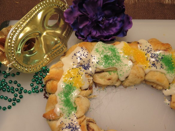 Easy Mardi Gras King Cake with Nutella and Fig Spreads - 1 - IMG_1899_1