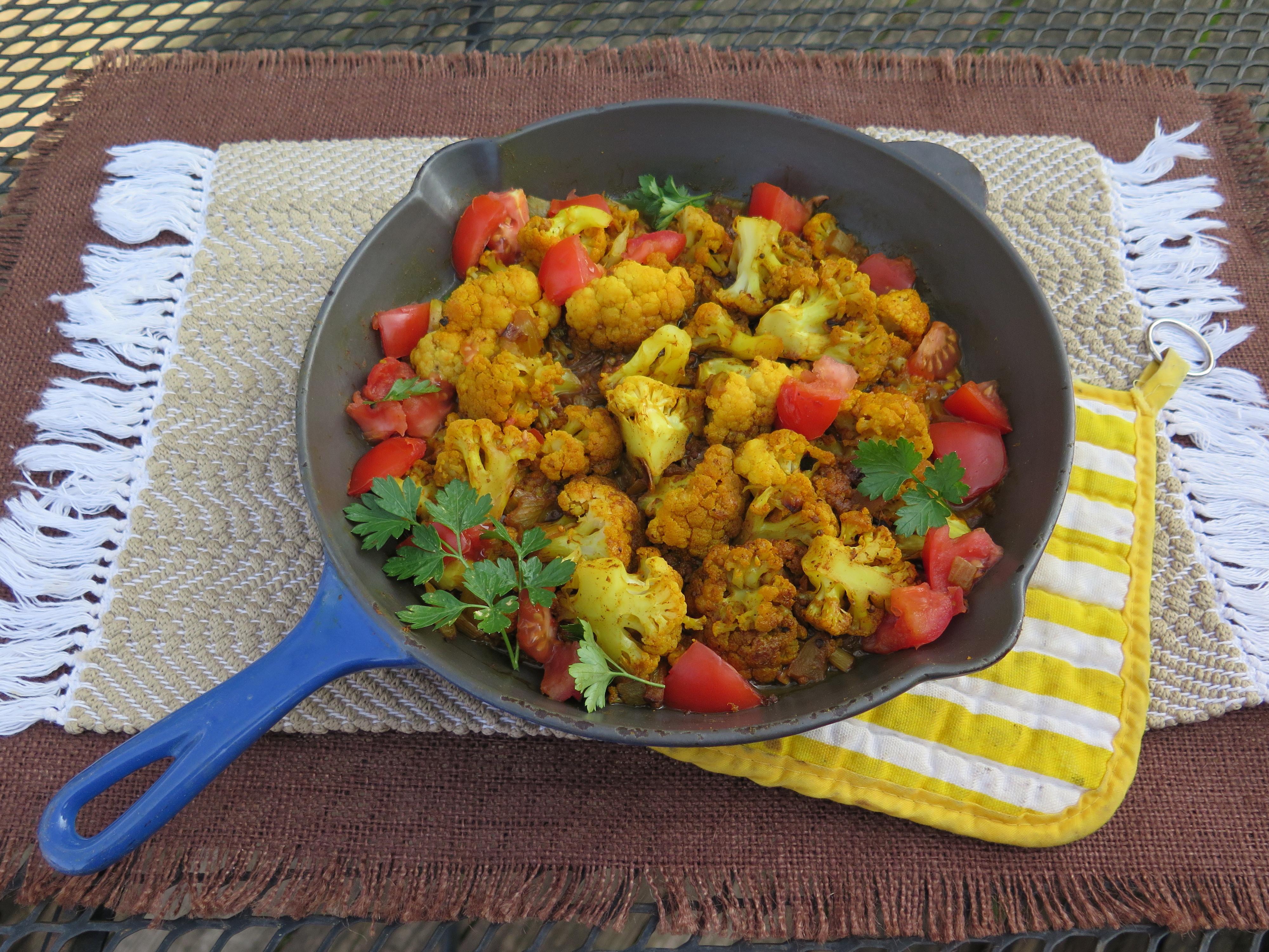 Spicy Indian Cauliflower in iron skiller - 1 - IMG_2582_1