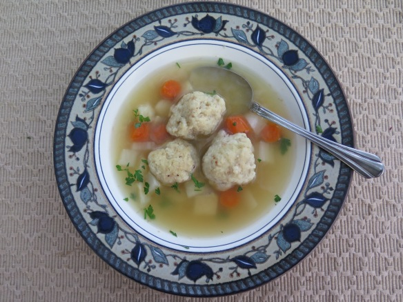 Easy Chicken Soup with Airy Matzvoh Balls - 1 - IMG_3833