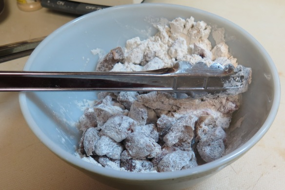 Beef cubes coated with flour - IMG_1385