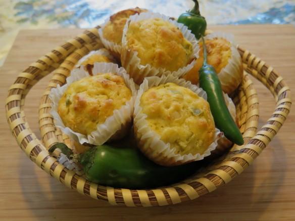 Jalapeno Cornbread Muffins in Basket - 3 - IMG_1546_1R_1
