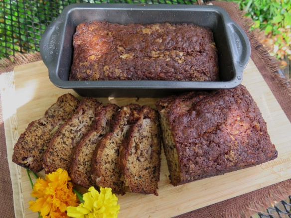 Banana Nut bread - 4 - IMG_6319_1-2014