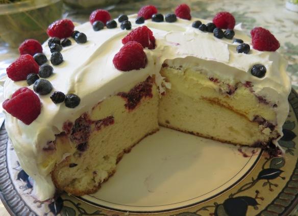 Ice Cream Cake - cut - IMG_3756