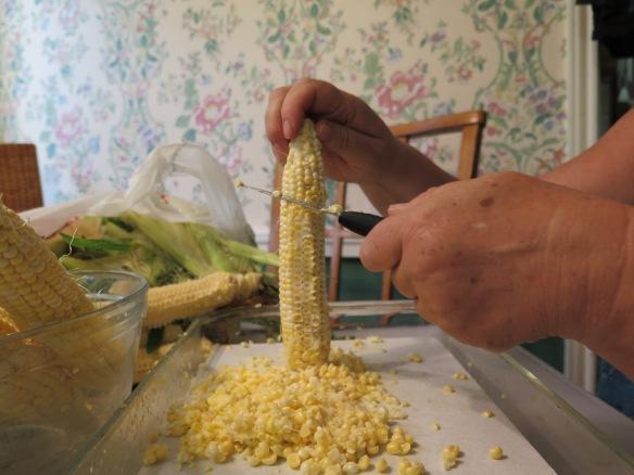 scraping corn - IMG_3991