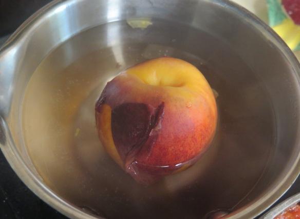 Blanching Peaches - IMG_6399