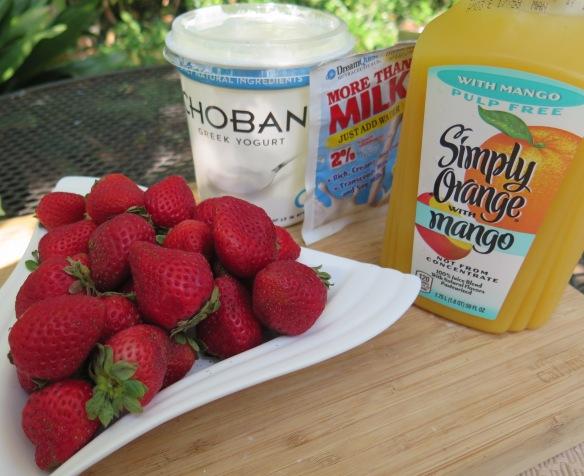 Strawberry and Orange Mango Smoothie - IMG_4512