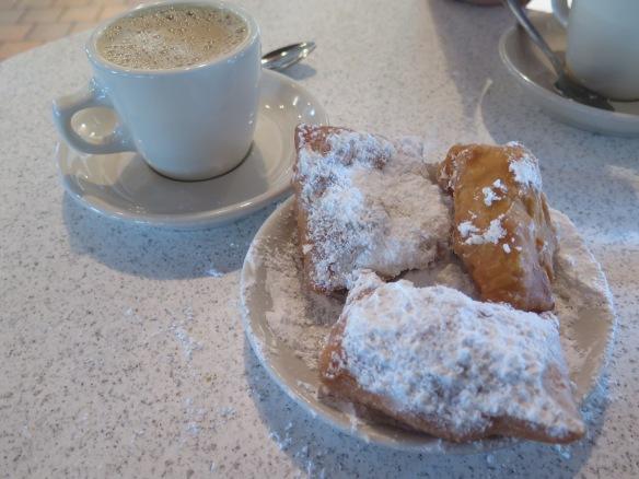 Cafe Du Monde Begniets - IMG_5258