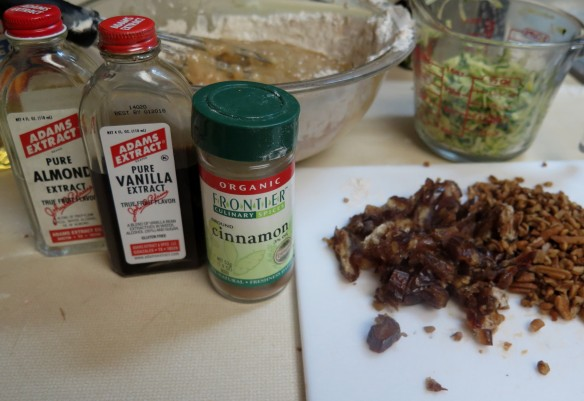 Extracts, cinnamon--zucchini figs nuts -cropped- IMG_6333_1
