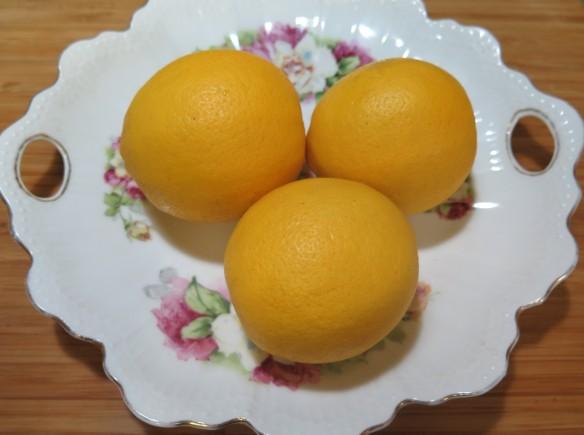 Meyer Lemons on Plate - IMG_6600_1