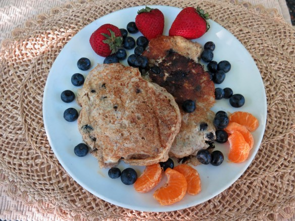 Whole Wheat Buttermilk Pancakes with Blueberries - IMG_9712_1
