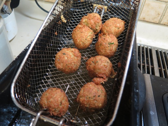 fried-falafel-2nd-try-img_1238_1