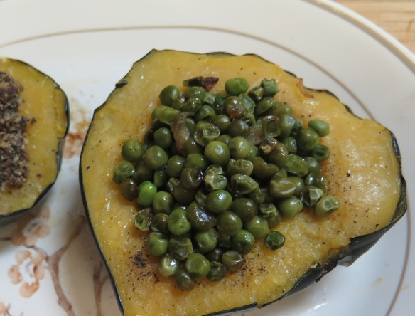 acorn-squash-stuffed-with-peas-2