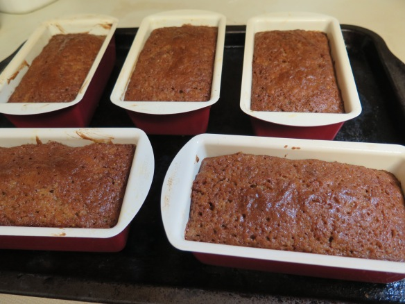 fig-preserves-cake-in-invidual-loaf-pans
