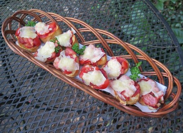 bruschetta-with-vine-ripe-tomatoes-img_2908