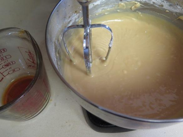 making-caramel-icing-img_3070